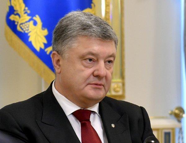 Порошенко винит Россию в попытке повлиять на избирательный процесс