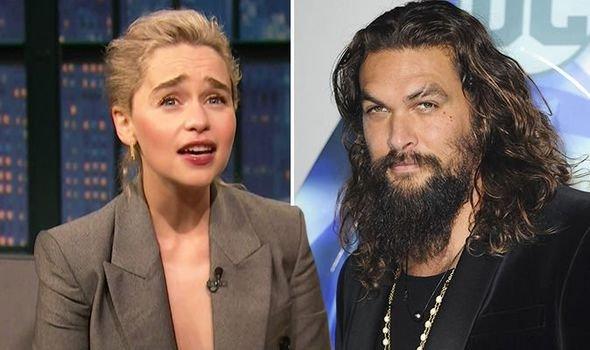 Звезда «Игры престолов» Эмилия Кларк призналась, что боялась Джейсона Момоа
