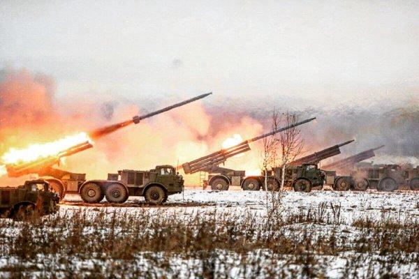 Западные политологи испугались подготовки артиллеристов в Крыму