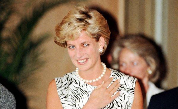 Принцесса Диана просила скрывать логотипы Chanel с одежды из-за измен принца Чарльза