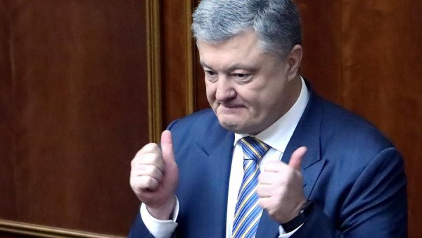 «Стебёт Порошенко»: Зеленский через телевизор подло манипулирует украинцами перед выборами
