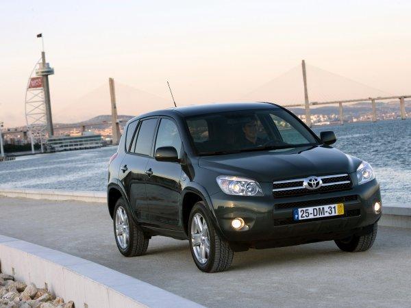 «Основные косяки производителя»: О проблемах Toyota RAV4 третьего поколения рассказал эксперт