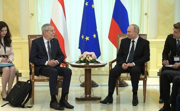 Союзник в консервативной Европе: Путин начал переговоры с президентом Австрии