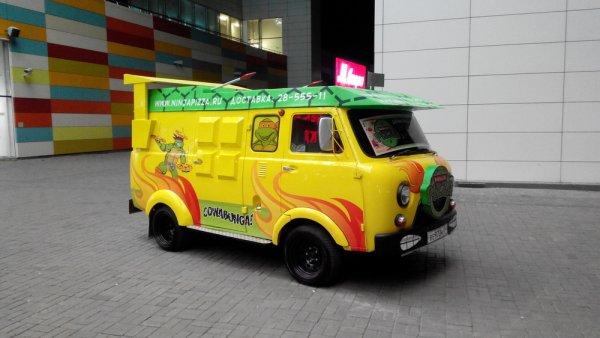 «Кавабанга!»: УАЗ «Буханка» с тюнингом для «Черепашек-Ниндзя» восхитила сеть