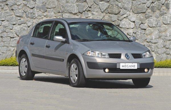 «Машина-вонючка»: Владелец Renault Megane удалил катализатор и пожалел