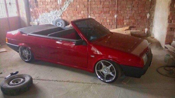 «Лада Мокасин»: Пользователей насмешила переделка ВАЗ-21099 в кабриолет