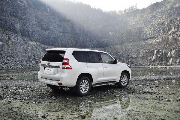 Дизель – для пижонов: Почему стоит взять именно бензиновый Toyota Land Cruiser Prado 150