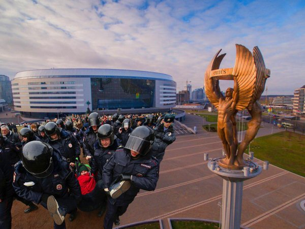 Схвачен за мягкое. Спецназ Росгвардии арестовывает российских оппозиционеров в Минске?