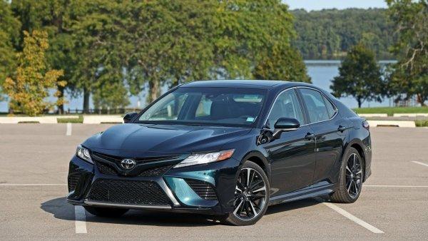 «У нас конкурент!»: В сети сравнили Toyota Camry XV70 с Honda Accord X