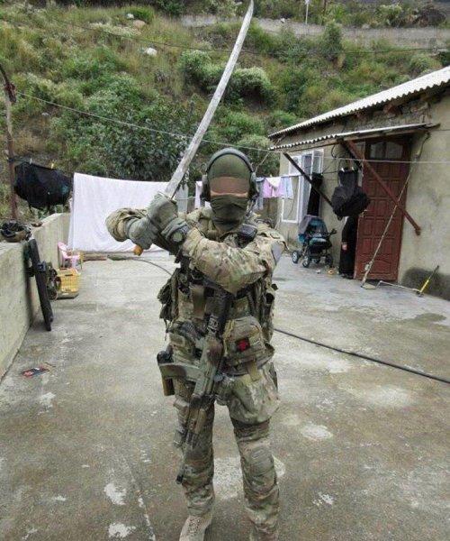Спецназ ЦСН ФСБ «Альфа» получил самурайские мечи «Антитеррор»