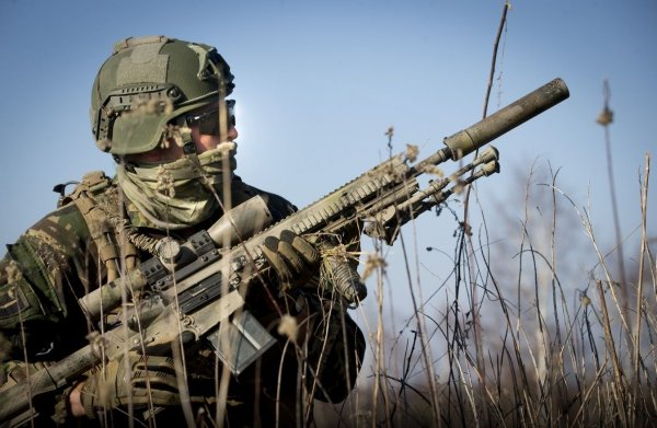 Спецназ ФСБ «Альфа» «застветил» свои новые немецкие винтовки