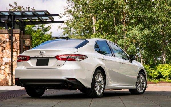 «Переплачивать смысла не видел»: Владелец поделился отзывом о Toyota Camry XV70 2019 года