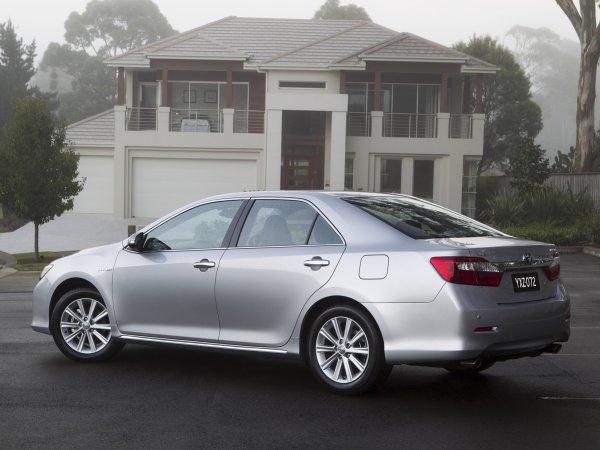 «Коробка — единственный серьезный косяк»: Автомобилисты о недостатках Toyota Camry XV50