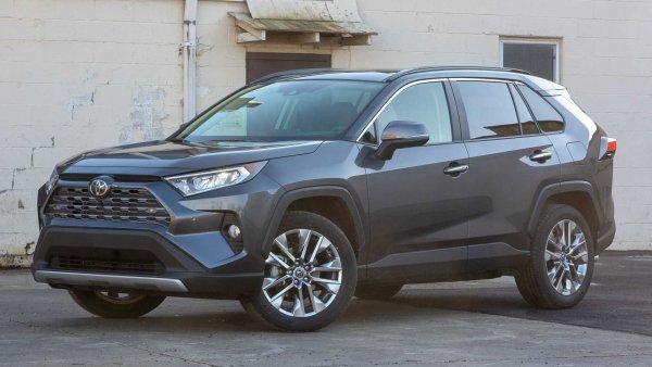 «Новый лидер класса»: Что изменилось в новом Toyota RAV4 2019 за 2 700 000 рублей - эксперт