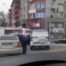 Спецназ ФСБ штурмует квартиру с заложником в центре Ростова