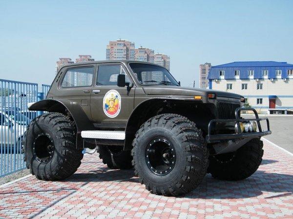«АвтоВАЗ пора отправлять на свалку»: LADA 4x4 получила сверхпроходимую версию от народных умельцев