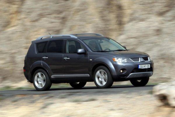 Лучшая тачка для бати? 11-летний Mitsubishi Outlander XL: меняйте масло вовремя – проедет 500 000 км