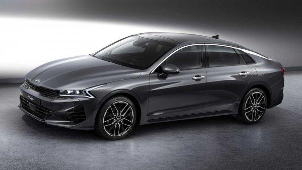 Не бизнес-класс, но метит даже выше: KIA Optima 2020 GT «уделает» Camry 3.0 «с закрытыми глазами»