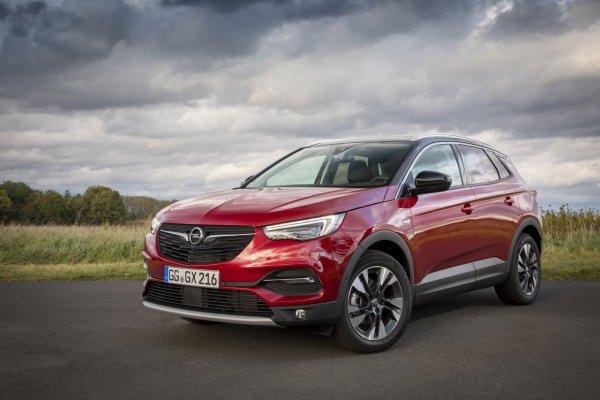 «Немец» готовится оккупировать «японца»: Почему Opel Grandland X «убьет» Toyota RAV4?