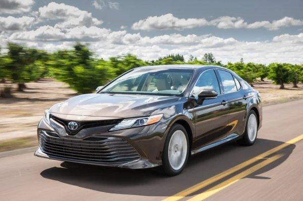 Новичок против лидера: Что может противопоставить Hyundai Sonata 2020 новой Toyota Camry?