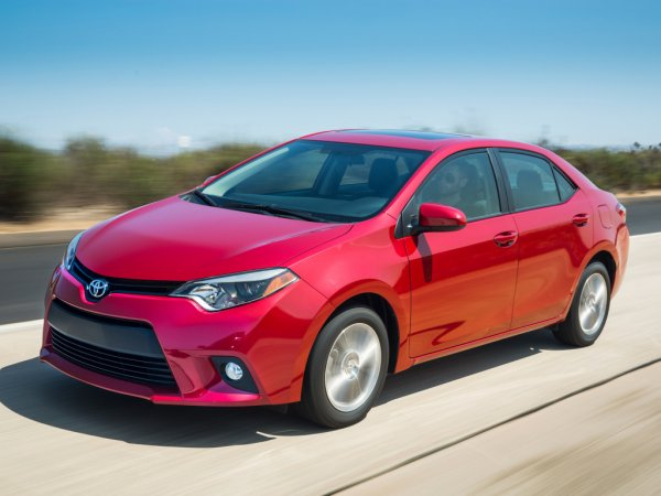 Японцы поставят корейцев на место: В Россию приедет американская версия Toyota Corolla - новой «Элантре» конец?