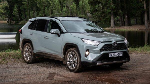 «Как такое можно выпускать в 2020 году?!»: Эксперт откровенно «разнёс» новый Toyota RAV4