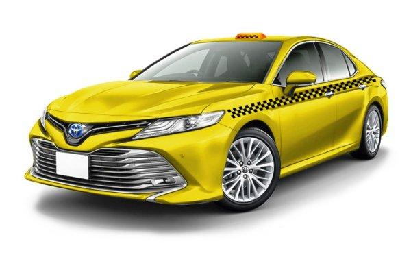 Toyota Camry XV70 в такси: Спина на не болит, в отличие от головы