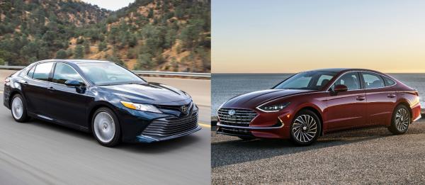 «Посмотрим, как она развалится»: Кому отдают предпочтение автомобилисты – Toyota Camry или новой Hyundai Sonata?