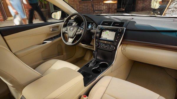 «150 тысяч километров, как с куста»: Что происходит с Toyota Camry XV55 за четыре года поездок – владелец